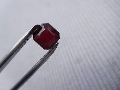 Rubis Rouge Madagascar Taille Carre 2.90 Carats Pierre Precieuse A Sertir R150