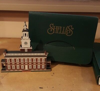Sheila's Collectibles 3D Independence Hall Philadelphia Signed Shelf Sitter 2003