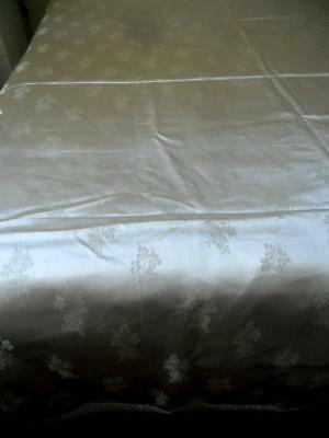 Gorgeous Unused Vintage Ivory Colour Silky Damask Queen Bedspread Flower Sprays