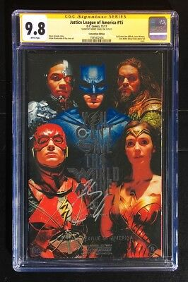 Henry Cavill signed CGC SS 9.8 JUSTICE LEAGUE # 15 Photo Foil VARIANT Gadot NYCC