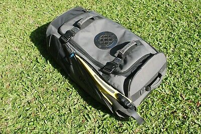 Oceanic Scuba diver wheeled bag - with fin pockets - Grey and black