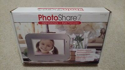 "Photoshare 7d 7"" Widescreen Digital Photo LCD Frame, works PC or MAC, Remote,New"