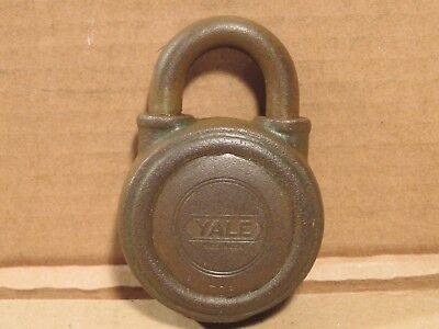 Vintage The Yale & Towne MFG. Co Round Lock Padlock No.726 No Key