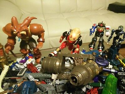 LEGO LOT OF 10.5 POUNDS  LEGOS and ACTION FIGURES, BRICKS ...