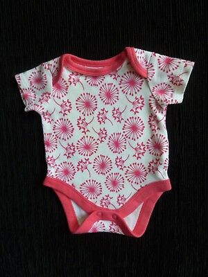 Baby clothes GIRL premature/tiny<7.5lb/3.4k SS soft bodysuit white/bright pink