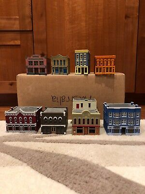 N Scale Buildings Built painted, dpm very good used condition