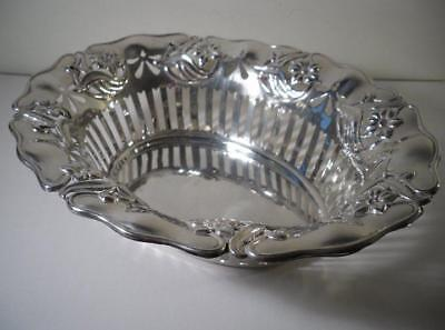 A Large Antique Art Nouveau Silver Table Basket : Sheffield 1905