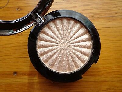 OFRA Mini Highlighter in Rodeo Drive! Champagne Shade! 4 g Travel Size!
