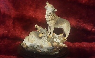 Rare Country Artists Sculpture  Vgc Wolf Pair Early 1990's Rare