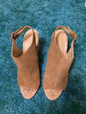 Country Road Chestnut Suede Leather , Cork Heel Size 39 Made In Italy  Like New