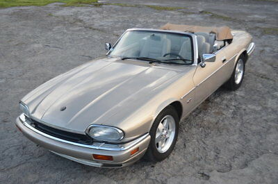 Jaguar XJS  TUNNING TWO OWNER 39000 mile WELL SERVICED WELL CARED FOR XJS CONVERTIBLE