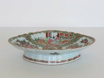 Chinese Export Porcelain OVAL FOOTED FRUIT BOWL Rose Medallion 19th Century