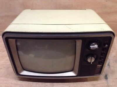 "Vintage RCA EER310B CRT Television Set 13"" Inch W/ Dials and Knobs"