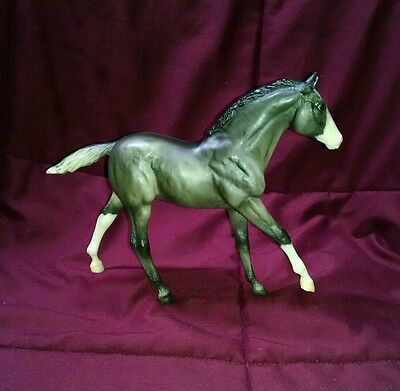 Breyer Traditional action stock horse foal moonbeam