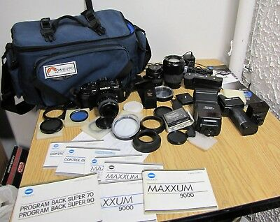 Vintage Minolta Maxxum with 3 lens and a lot of accessory