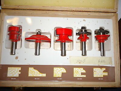 Used Freud Professional Woodworking Router bit set 94-100