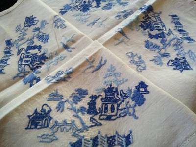 Gorgeous Willow pattern  ~ Vintage hand embroidered Tablecloth
