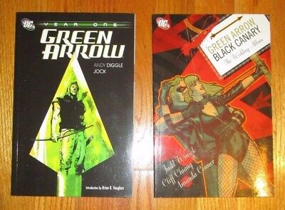lot of 2 DC Comics Green Arrow TPB Year One and The Wedding Album
