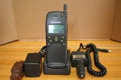 1990's Radio Shack CT-355 Vintage Mini  Flip Style  Cell Phone Powers Up Prop!