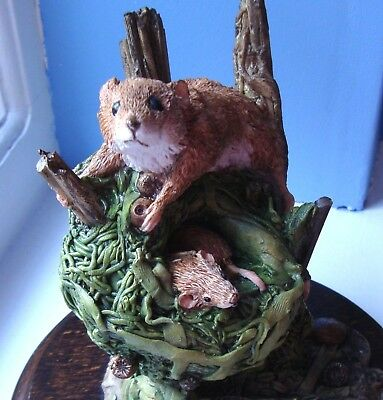 Country Artists CA179 ~ Harvest Mouse with Nest