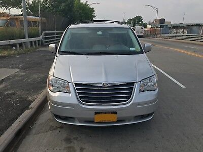 2008 Chrysler Town & Country ED 2008 Chrysler Town and Country (Touring)