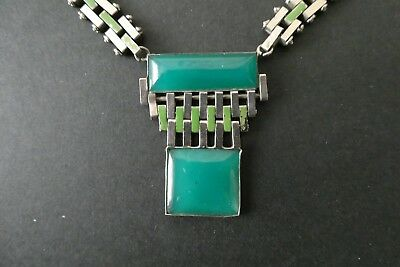 Art Deco necklace in chrome and green plastic, 1920-30s