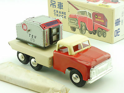 MF 774 Crane Truck tin toy Blechspielzeug China MIB new old stock box 1411-24-17