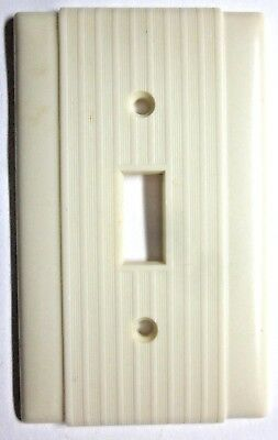 1 Vintage Beige Bakelite Uniline Art Deco Switch Wall Plate Cover Ribbed Lines