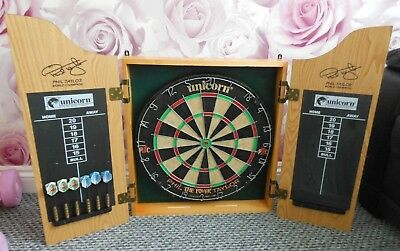 "Unicorn Phil ""the Power"" Taylor Dartboard With Case & 2 X Sets Darts"