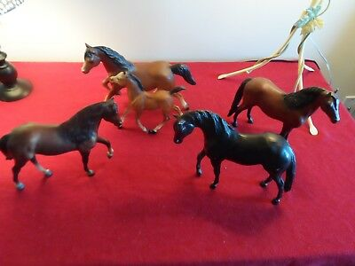Vintage 1980s Breyer horse lot of 5 - bay matched running mare and foal and more