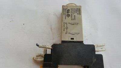 Omron H3Y-2 Timer  Source 200VAC Contact 5A  250VAC Resistive