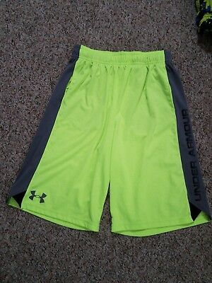 Boy's under Armour Athletic Short With pocket Size large fit loose
