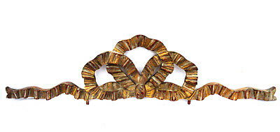 Superb French wooden pediment carved: a ribbon in the shape of Louis XVI knot