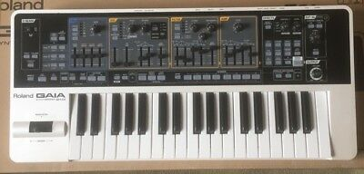 Roland Gaia Synthesizer SH01. Great condition! W/ orig power supply and box!