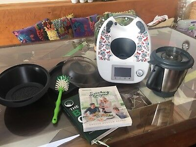 Thermomix TM5 with cook books