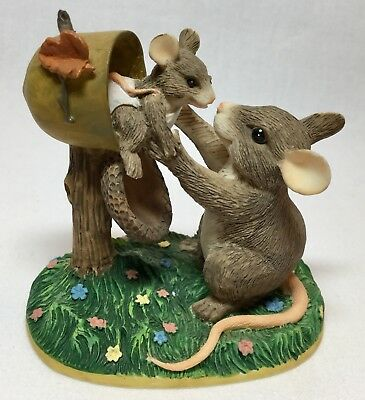 Charming Tails NEW ARRIVAL 97/717 Mouse Baby in Mailbox Vtg DEAN GRIFF EUC