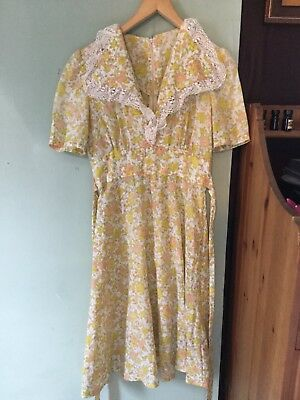 Vintage Handmade 70s Dress Yellow Lace Collar Size 8 10 Floral Hand Made