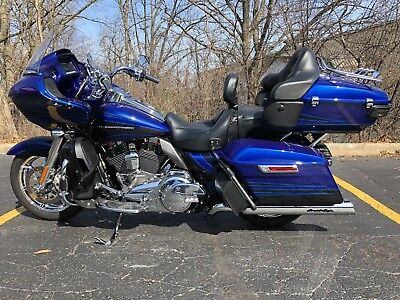 2015 Harley-Davidson Touring  2015 H-D CVO Road Glide Ultra - Financing Available; 4-yr extended service plan