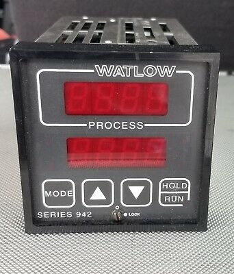 Working Watlow  942A-3Kd2-B000 Controller. Great Shape!