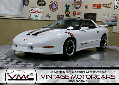 Pontiac Trans Am WS6 WS-6 Performance Pack - V8 Engine - T-Tops - 6 Speed