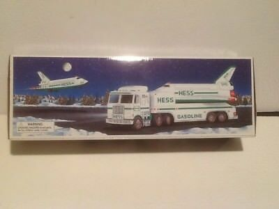 BRAND NEW 1999 HESS Toy Truck and Space Shuttle with Satellite