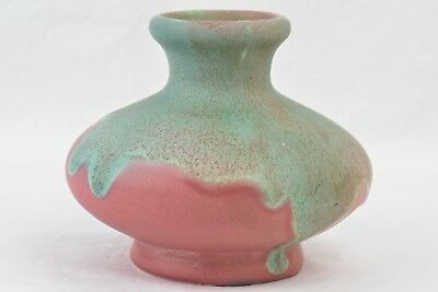 Muncie Pottery 1920's Matte Green Over Rose Little Joe Vase 113-3 1/2