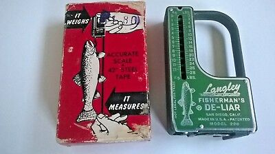 Vintage LANGLEY FISHERMAN'S DE-LIAR FISH SCALE & TAPE MEASURE model 228 - 28lbs
