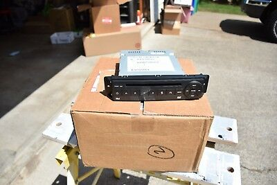 Dodge Town and Country dvd player 5064063AE 2008 2009 2010 2011 2012