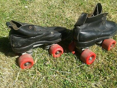 Childrens Vintage Black Leather Roller Skates. shop display size 8.5 Kids Retro