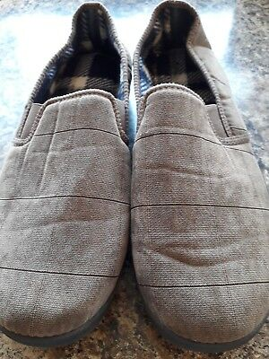 mens slippers size 9 new