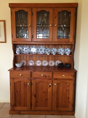 Kitchen Dresser with 3 lead light glass doors good condition top comes off