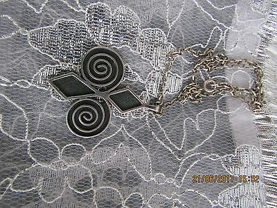 Silver 925 Pendant & Chain - Lovely And Unusual.