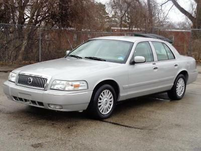 2007 Mercury Grand Marquis LS Premium CLEAN CARFAX! NO ACCIDENTS! 43K Mls! LOW MILES! LEATHER CD-PLAYER HOME LINKS 2 KEYS KEYLESS ENTRY RUNS DRIVES GREAT
