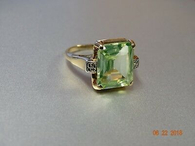 Antique Vintage 10K Yellow Gold with Large Green STONE SZ5.5